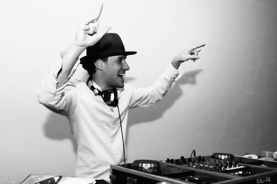 Tatá-DJ-I-